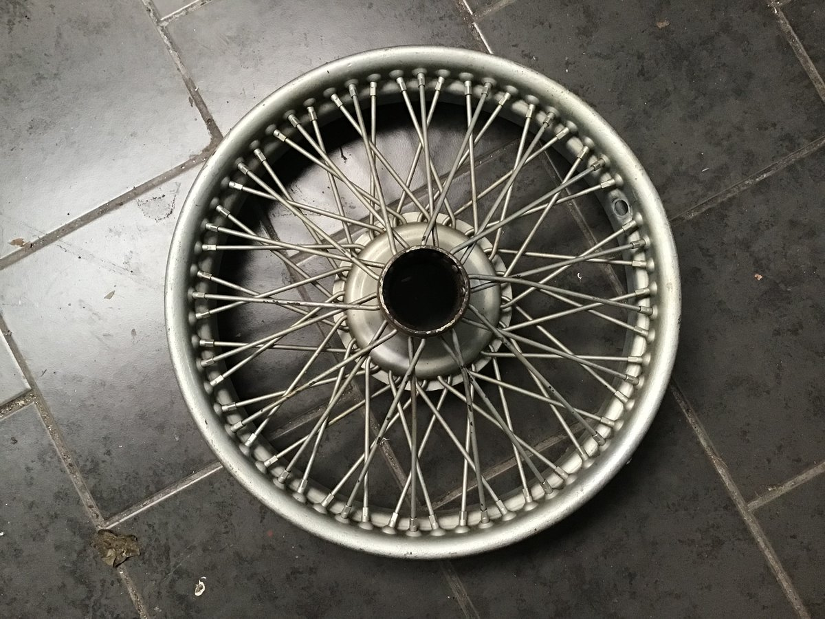 1960 JAGUAR MK MK IV 1.5 18 x41/4 inch60 sp WIRE  WHEEL For Sale (picture 1 of 6)