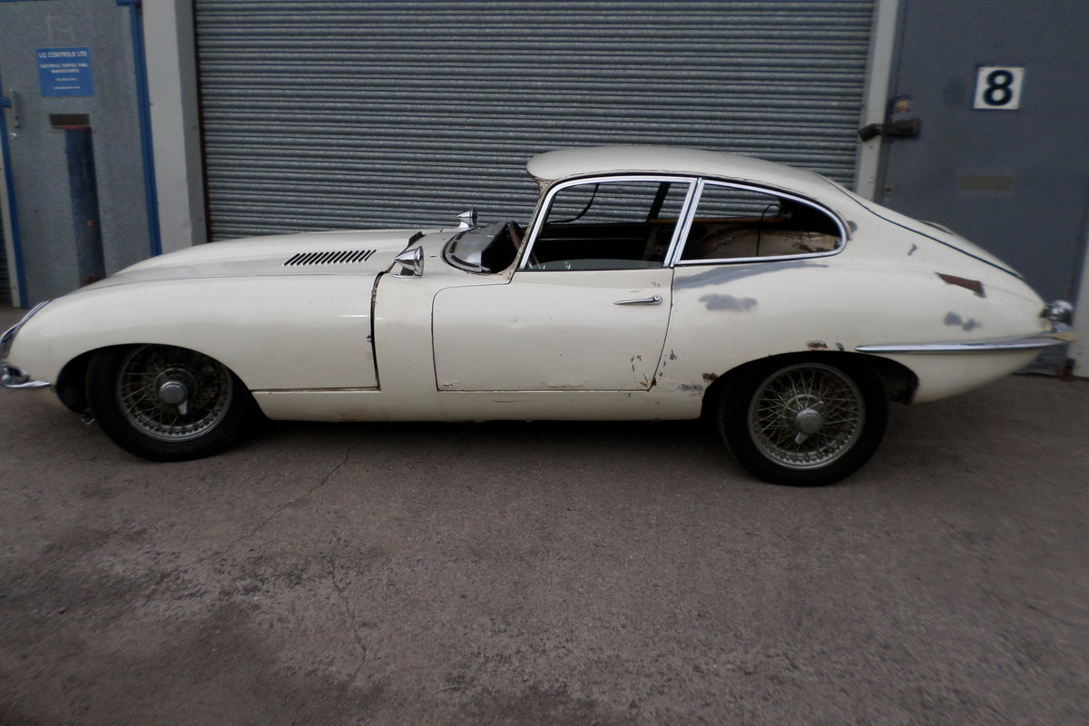 1965 Jaguar S1 E Type 4.2 FHC For Sale (picture 2 of 6)