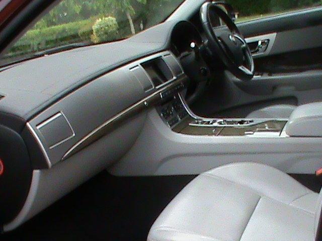 2013 Jaguar XF Sportbrake 3.0 V6 37k Miles FSH Pristine For Sale (picture 5 of 6)