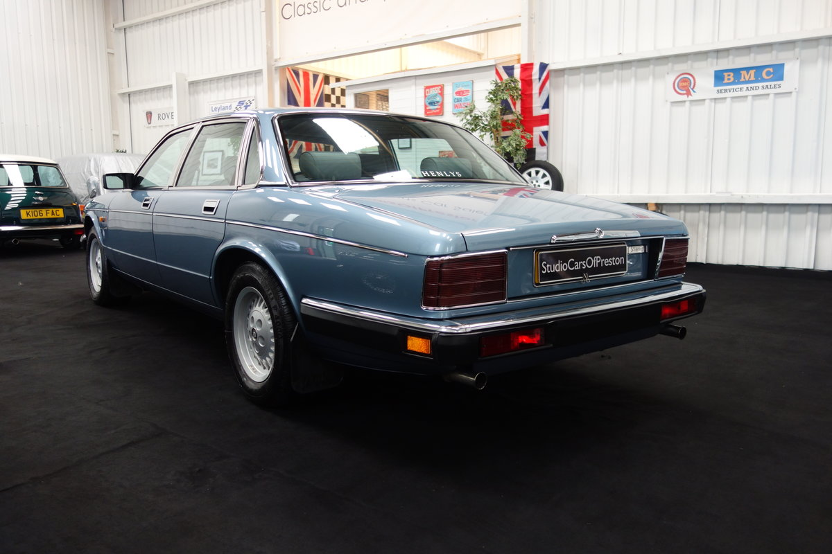 1991 Jaguar XJ40 4.0 Sovereign Immaculate condition 29'000 ...