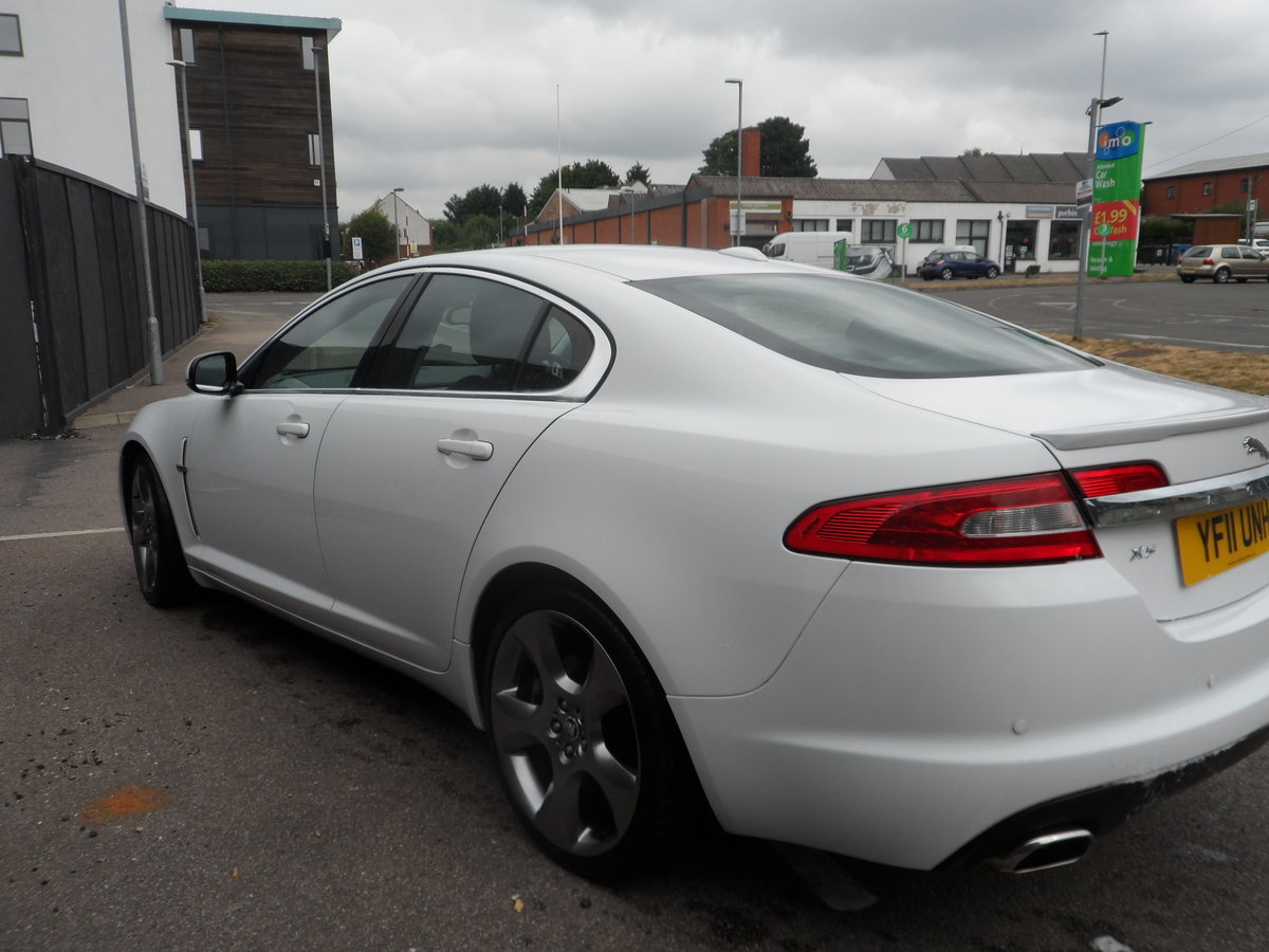 2011 SPORT LUXURY 3 LTR DIESEL IN WHITE WITH BLACK LEATHER F.S.H For Sale (picture 4 of 6)