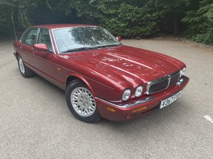 Picture of Jaguar XJ8 3.2 2000 'V' Sat Nav 89k FSH For Sale