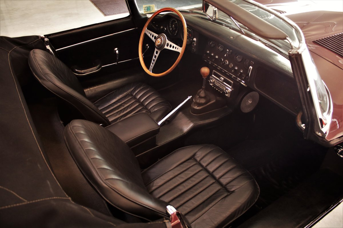 1966 Jaguar XKE Roadster SOLD (picture 4 of 6)