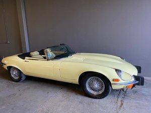 For sale 1973 V12 E type auto roadster. For Sale