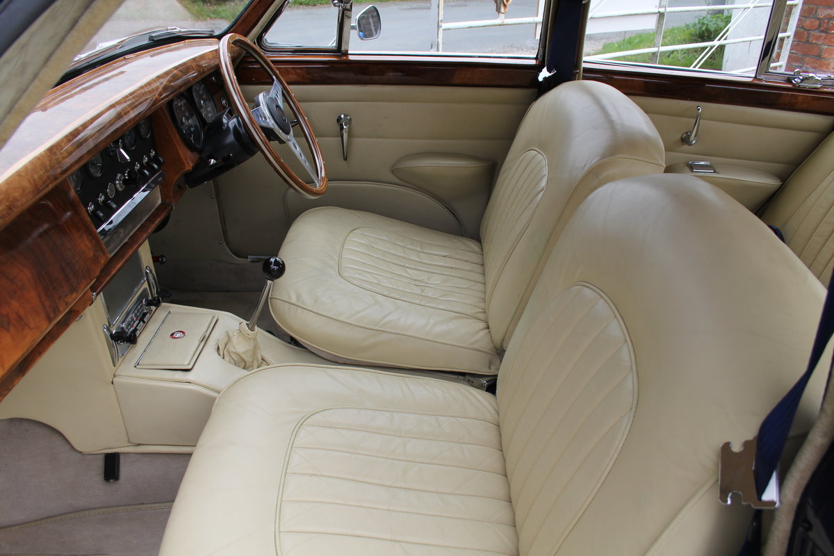 1962 Jaguar MKII 3.4 Manual O/D - 5000 miles of recent touring For Sale (picture 15 of 20)
