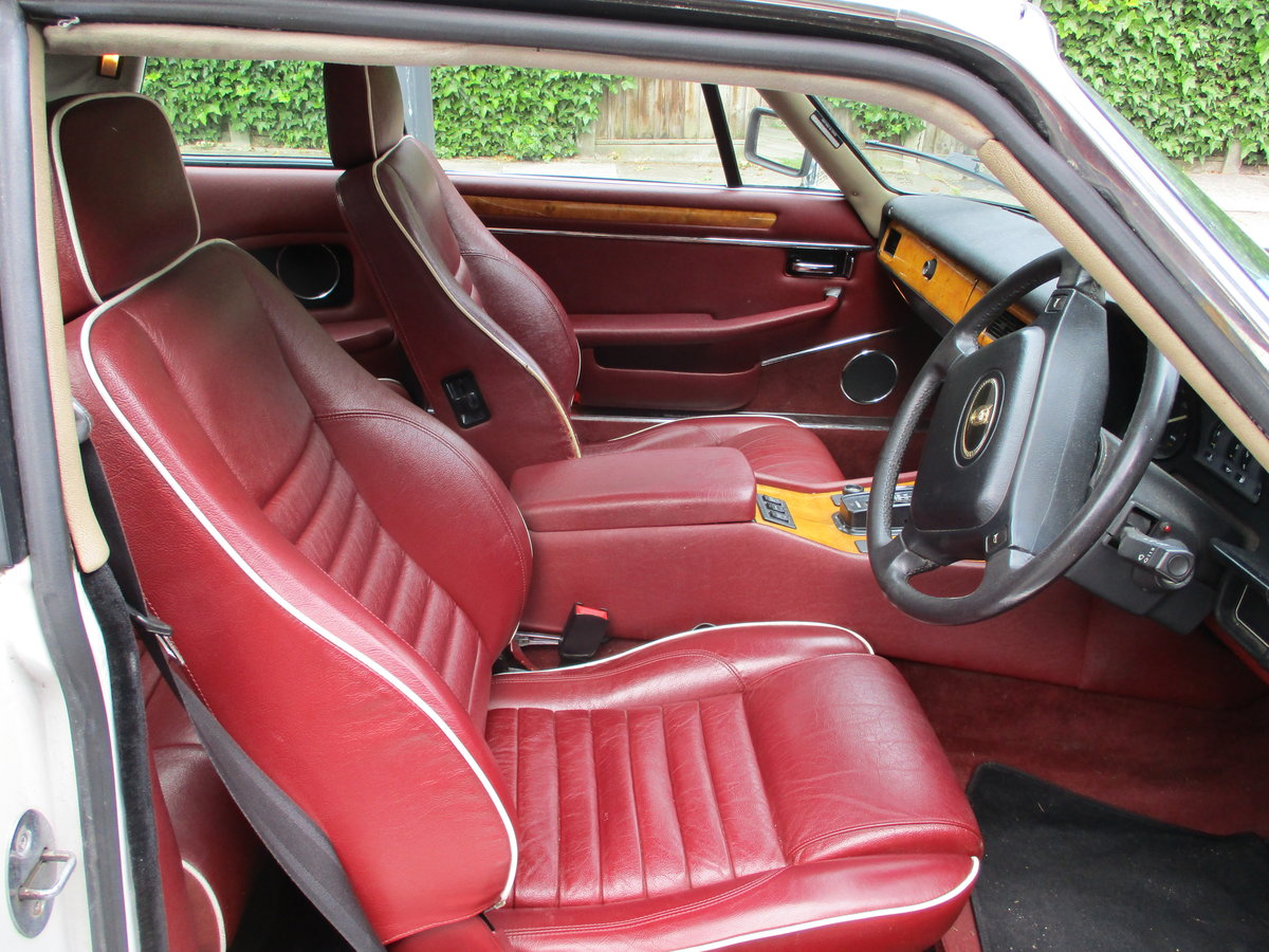 Jaguar XJS 3.6 AUTO 1990 STUNNING RARE ELECTRIC SUNROOF MDL  For Sale (picture 4 of 16)