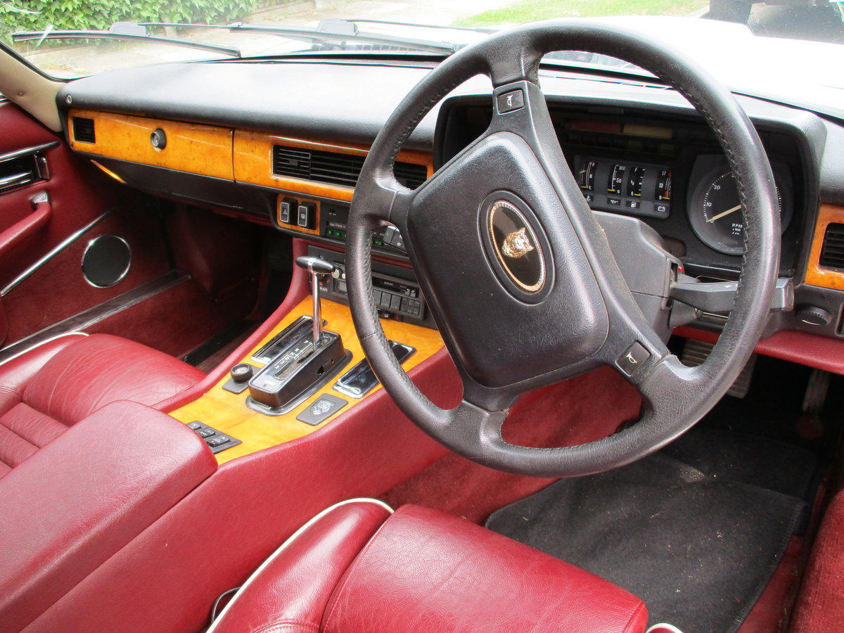 Jaguar XJS 3.6 AUTO 1990 STUNNING RARE ELECTRIC SUNROOF MDL  For Sale (picture 13 of 16)