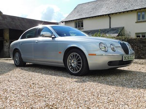 Jaguar S-type 4.2 V8 SE - stunning condition