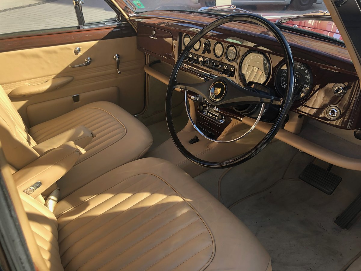 1965 Perfect full restored with one of a kind interior! For Sale (picture 4 of 6)