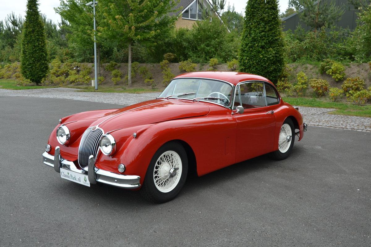 1957 (1113) Jaguar XK 150 FHC For Sale (picture 1 of 6)