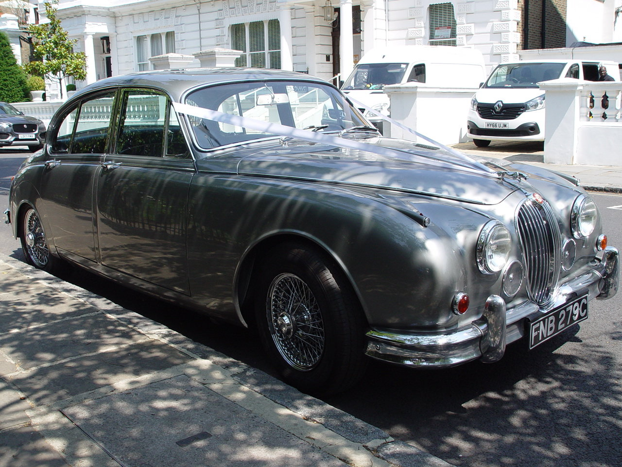 1965 A Stunning Manual Overdrive 1967 LHD Jaguar Mk2 For Sale (picture 2 of 6)