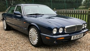 JAGUAR XJ 4.0 V8 SOVEREIGN ( RARE ) LWB
