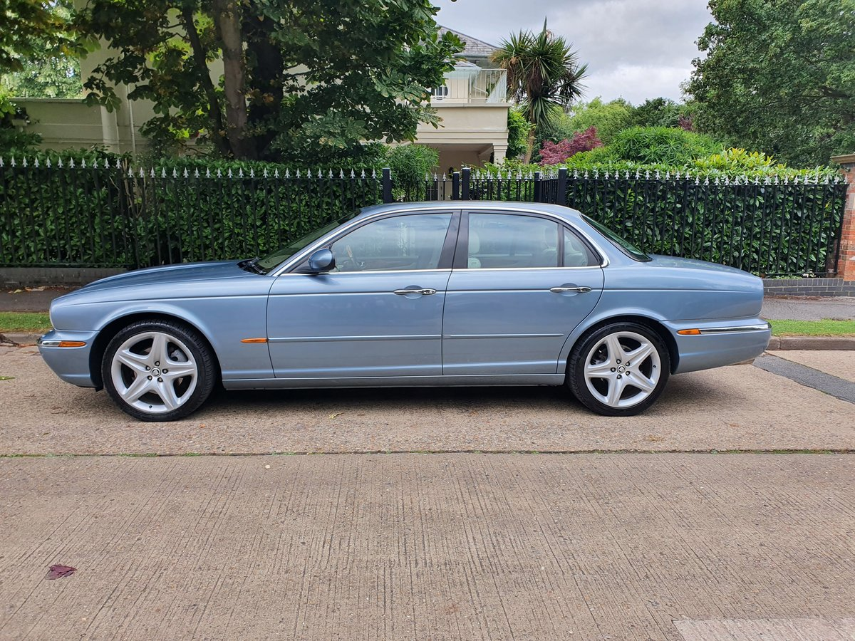 2005 Exceptional Jaguar XJ6 Sovereign FSH Stunning Specification  SOLD (picture 2 of 6)