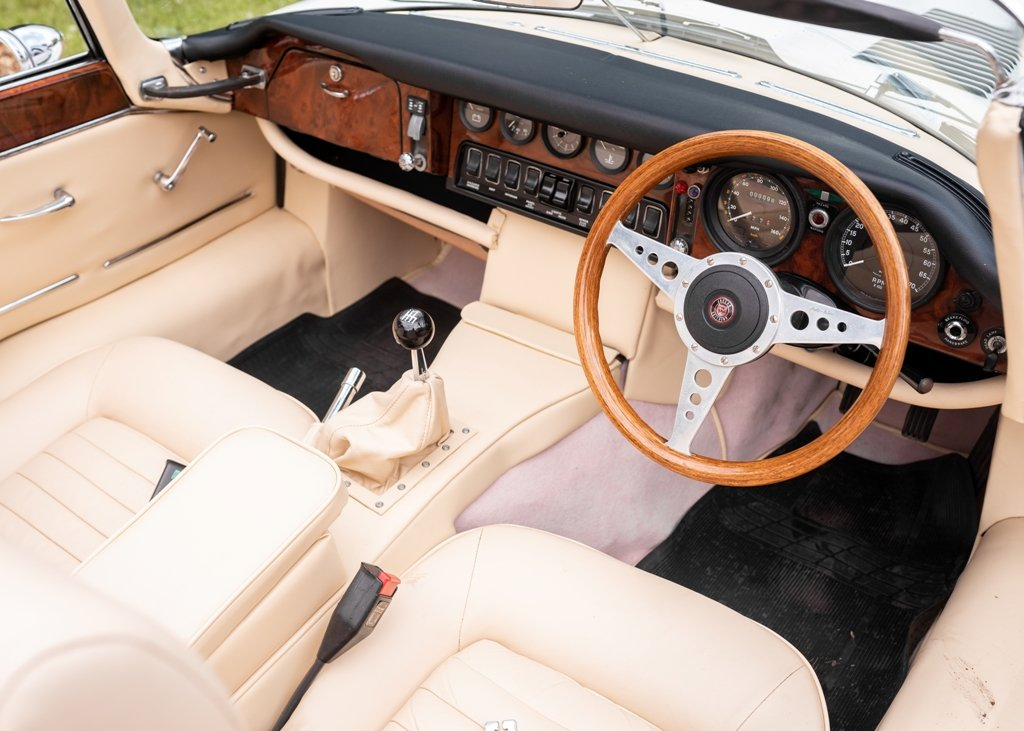 1972 Jaguar E-Type Series III Roadster SOLD by Auction (picture 6 of 6)