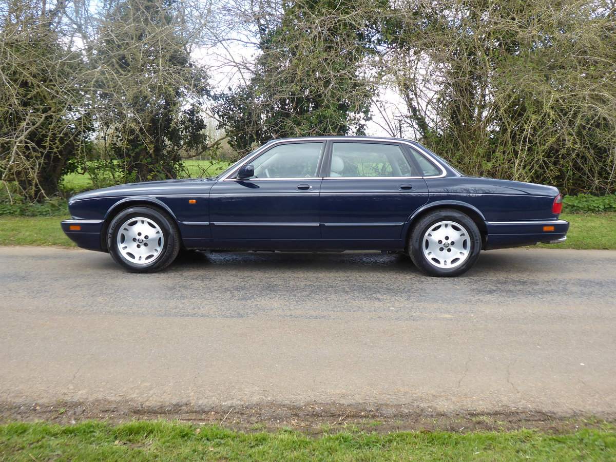 1995 Jaguar XJ6 54000 miles FSH  Outstanding Example For Sale (picture 3 of 6)