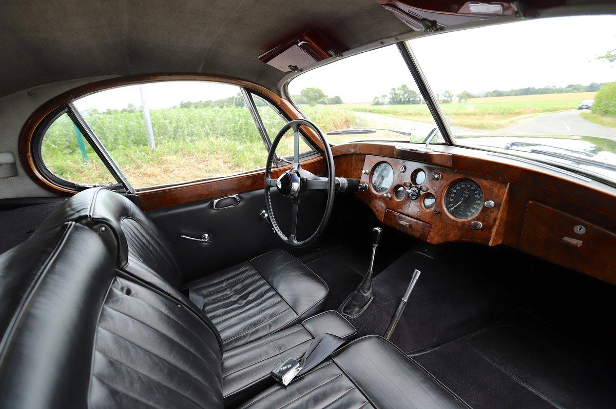 Jaguar XK120 Fixed-Head Coupé. LHD, 1952.  For Sale (picture 5 of 6)