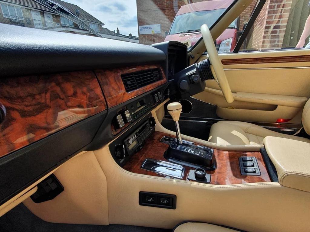 1990 Jaguar XJS 5.3 Coupe - 14k miles! For Sale (picture 3 of 6)