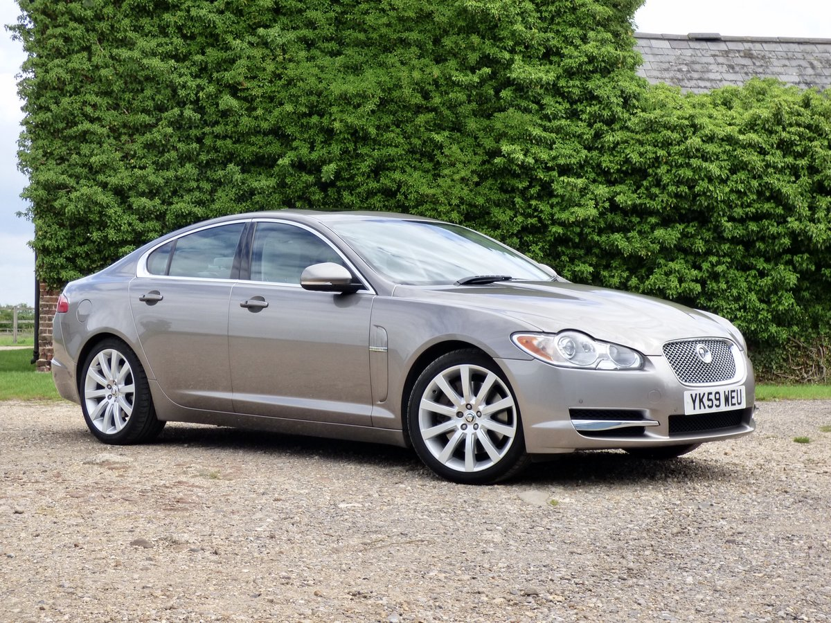 2009 Jaguar XF 3.0d Premium Luxury, SUNROOF, FSH, VGC For Sale (picture 1 of 6)