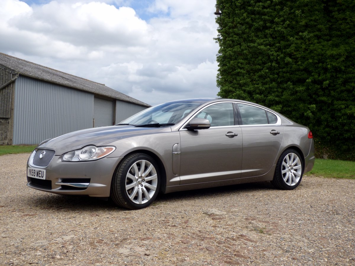2009 Jaguar XF 3.0d Premium Luxury, SUNROOF, FSH, VGC For Sale (picture 3 of 6)