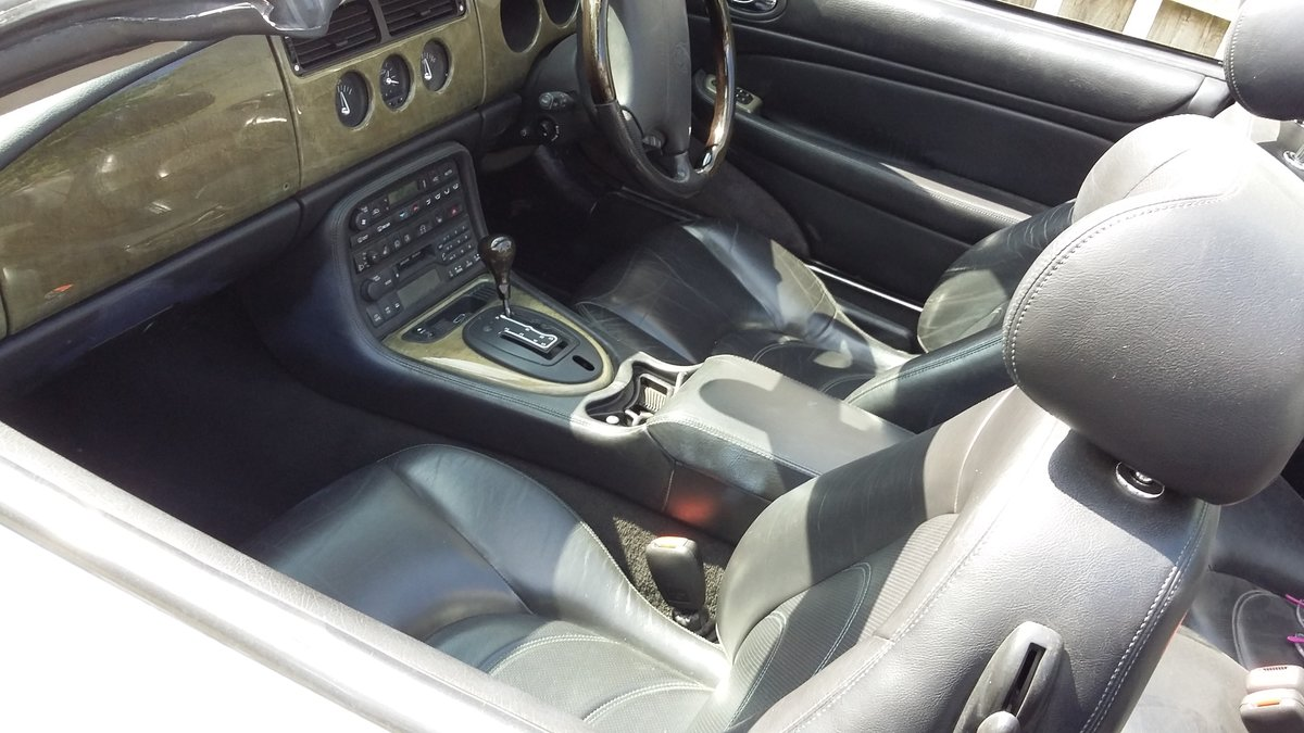 2003 Jaguar XK8 Convertible in silver For Sale (picture 2 of 6)