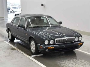 1999 JAGUAR XJ V8 4.0 AUTOMATIC * LOW MILEAGE * MODERN CLASSIC For Sale