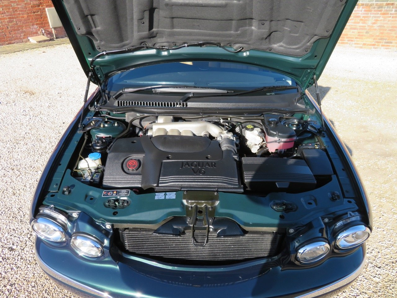 JAGUAR X-TYPE 3.0 V6 AUTO SE 2002 18K MILES FROM NEW 1 OWNER For Sale (picture 4 of 6)