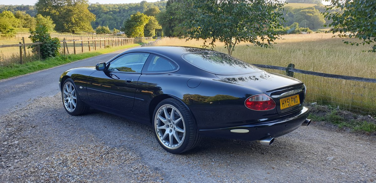 2002 Jaguar XKR 4.0 100 Limited Edition For Sale (picture 3 of 6)