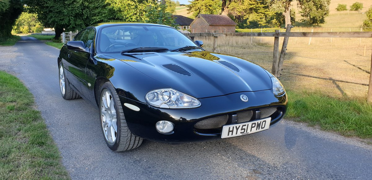 2002 Jaguar XKR 4.0 100 Limited Edition For Sale (picture 4 of 6)