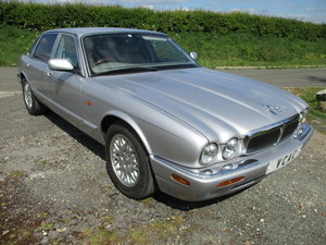 Picture of 2002 Jaguar XJ8 3.2 Executive Automatic SOLD