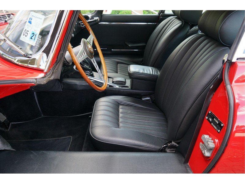 1969 Jaguar E-Type Series 2 Original colours, new interior For Sale (picture 4 of 6)