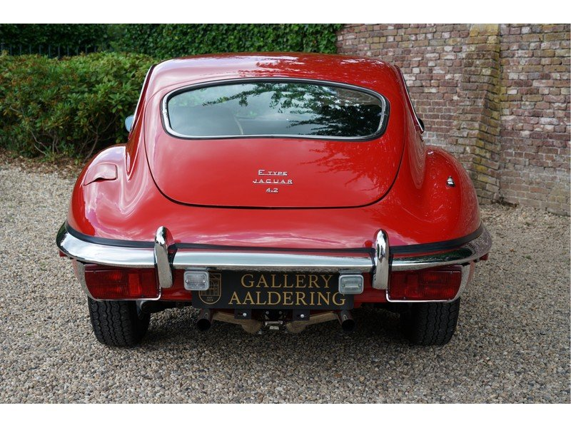 1969 Jaguar E-Type Series 2 Original colours, new interior For Sale (picture 5 of 6)