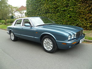 Picture of 2000 JAGUAR SOVEREIGN 4Ltr (X-308)  25,000 miles only SOLD