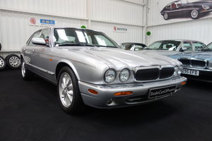 2000 Jaguar XJ8 3.2 Excellent condition A lovely example SOLD