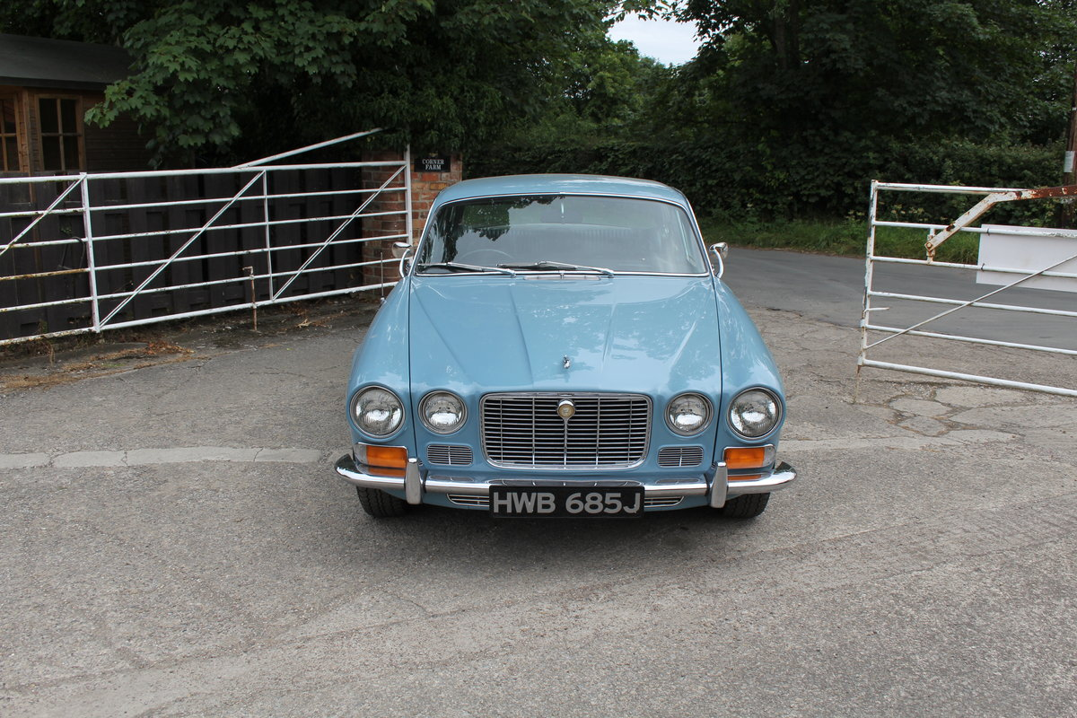 1970 Jaguar XJ6 2.8 Manual with Overdrive 47900 Miles For Sale (picture 3 of 24)