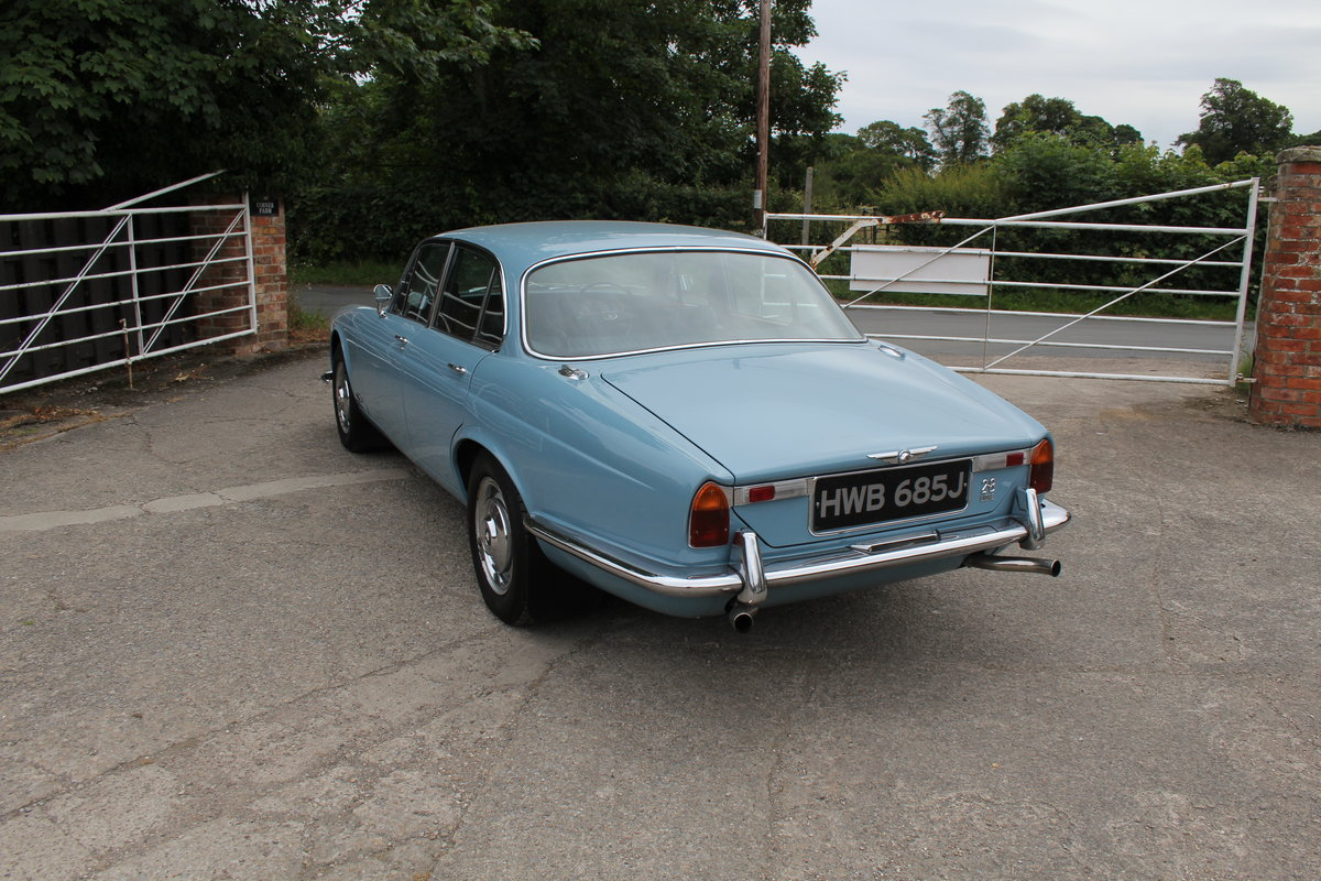 1970 Jaguar XJ6 2.8 Manual with Overdrive 47900 Miles For Sale (picture 5 of 24)