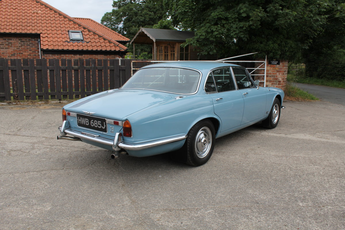 1970 Jaguar XJ6 2.8 Manual with Overdrive 47900 Miles For Sale (picture 7 of 24)