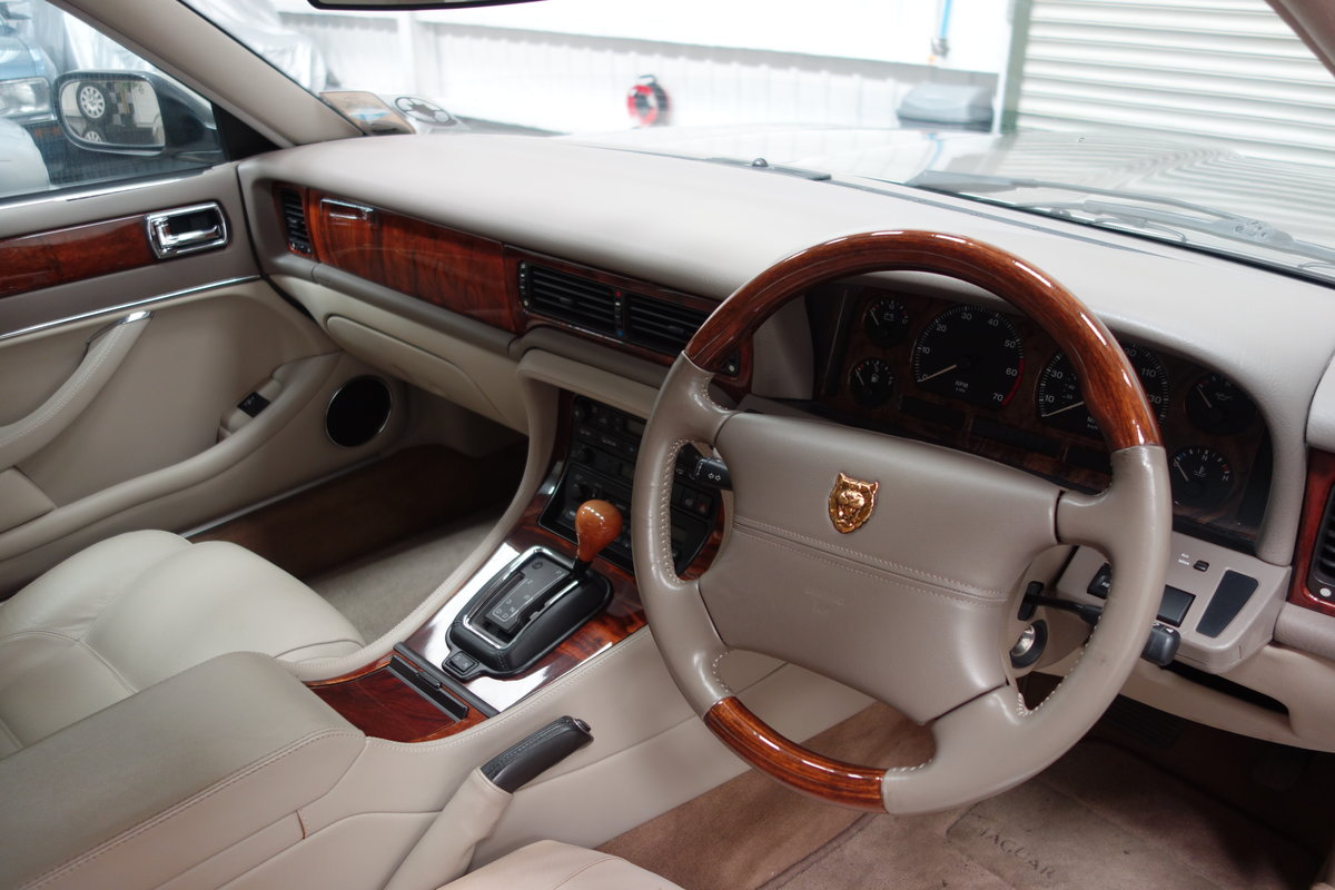 1997 Jaguar XJ6 4.0 Sport Immaculate and just 36'000 miles SOLD (picture 5 of 6)