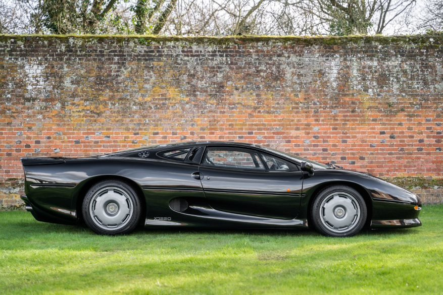1995 Jaguar XJ220  For Sale (picture 1 of 6)