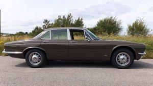 Picture of 1974 Jaguar XJ 4.2 Auto Saloon Series 2 SWB For Sale