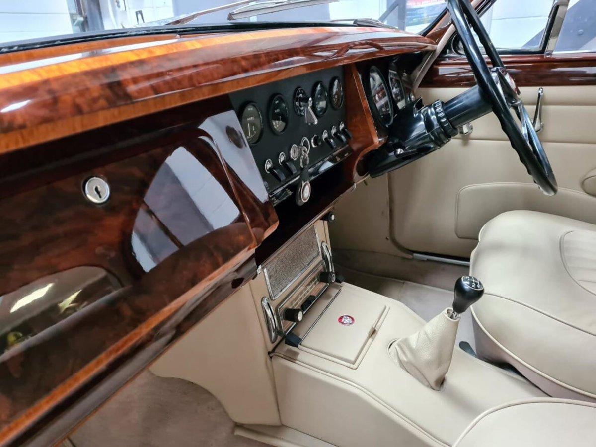 1961 Jaguar MK 2 3.8 For Sale (picture 4 of 6)