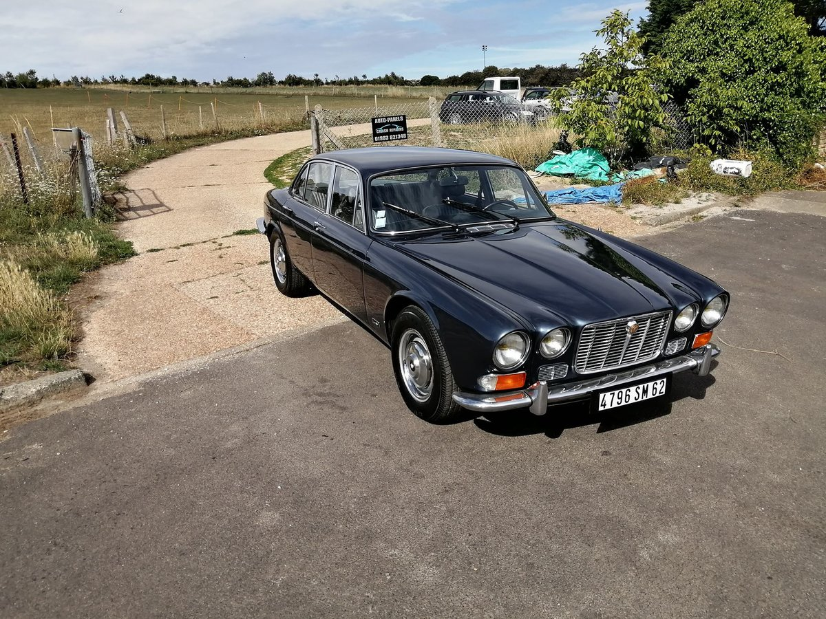 1970 Jaguar XJ6 4.2 Manual Overdrive For Sale | Car And Classic