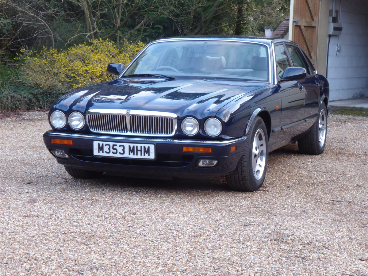 1995 Jaguar XJ6  54000 miles 1 x Owner 24 Years NOW SOLD SOLD (picture 2 of 6)