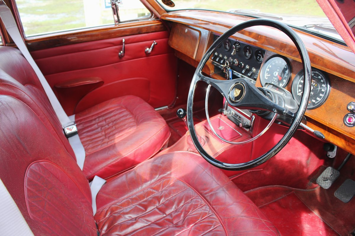 1966 Jaguar MK2 3.4L MOD matching numbers 70k miles For Sale (picture 2 of 6)