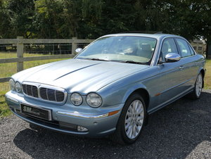 2004 JAGUAR XJ SERIES 4.2 V8 SE AUTO, SUNROOF, HUGE HISTORY