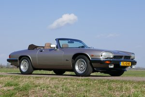 Picture of 1988 Jaguar XJS Convertible with only 98.566 KM For Sale