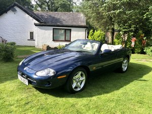 Picture of 1999 Stunning Jaguar XK8 4.0 auto convertible blue with ivory low For Sale