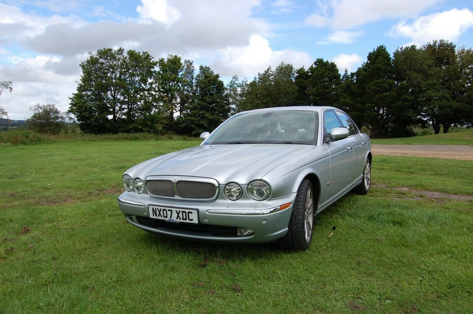 2007 JAGUAR XJ SOVEREIGN TDVI AUTO WITH MOT For Sale (picture 1 of 6)