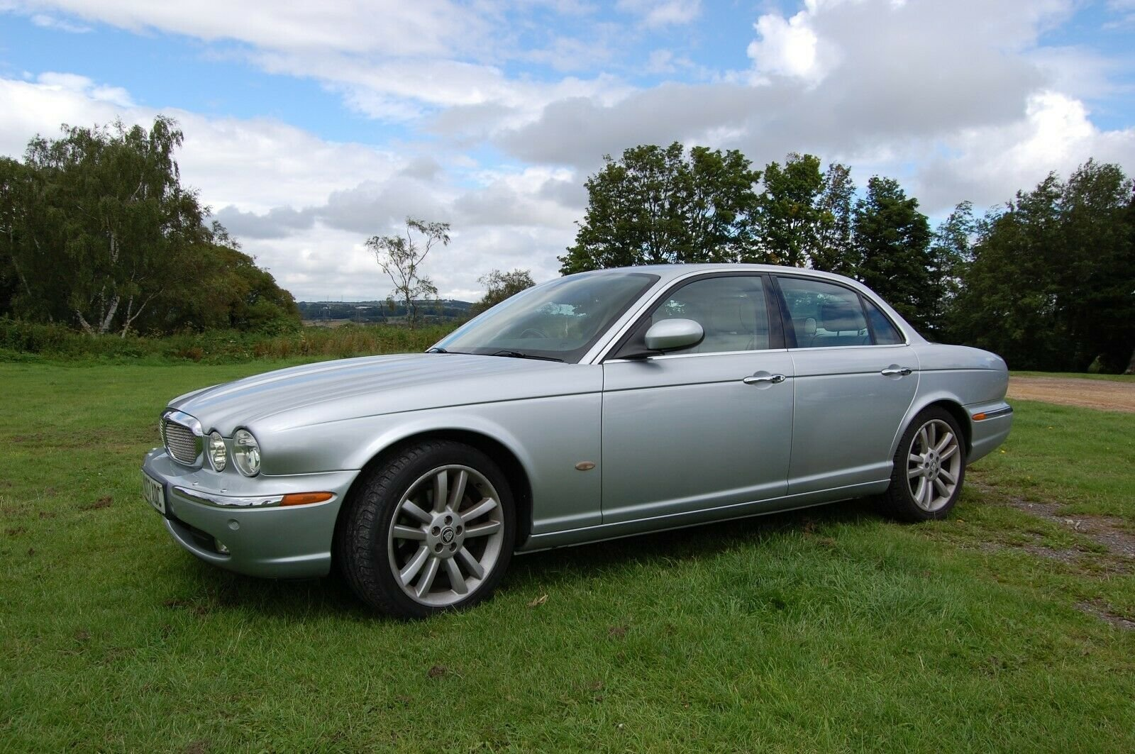 2007 JAGUAR XJ SOVEREIGN TDVI AUTO WITH MOT For Sale (picture 2 of 6)