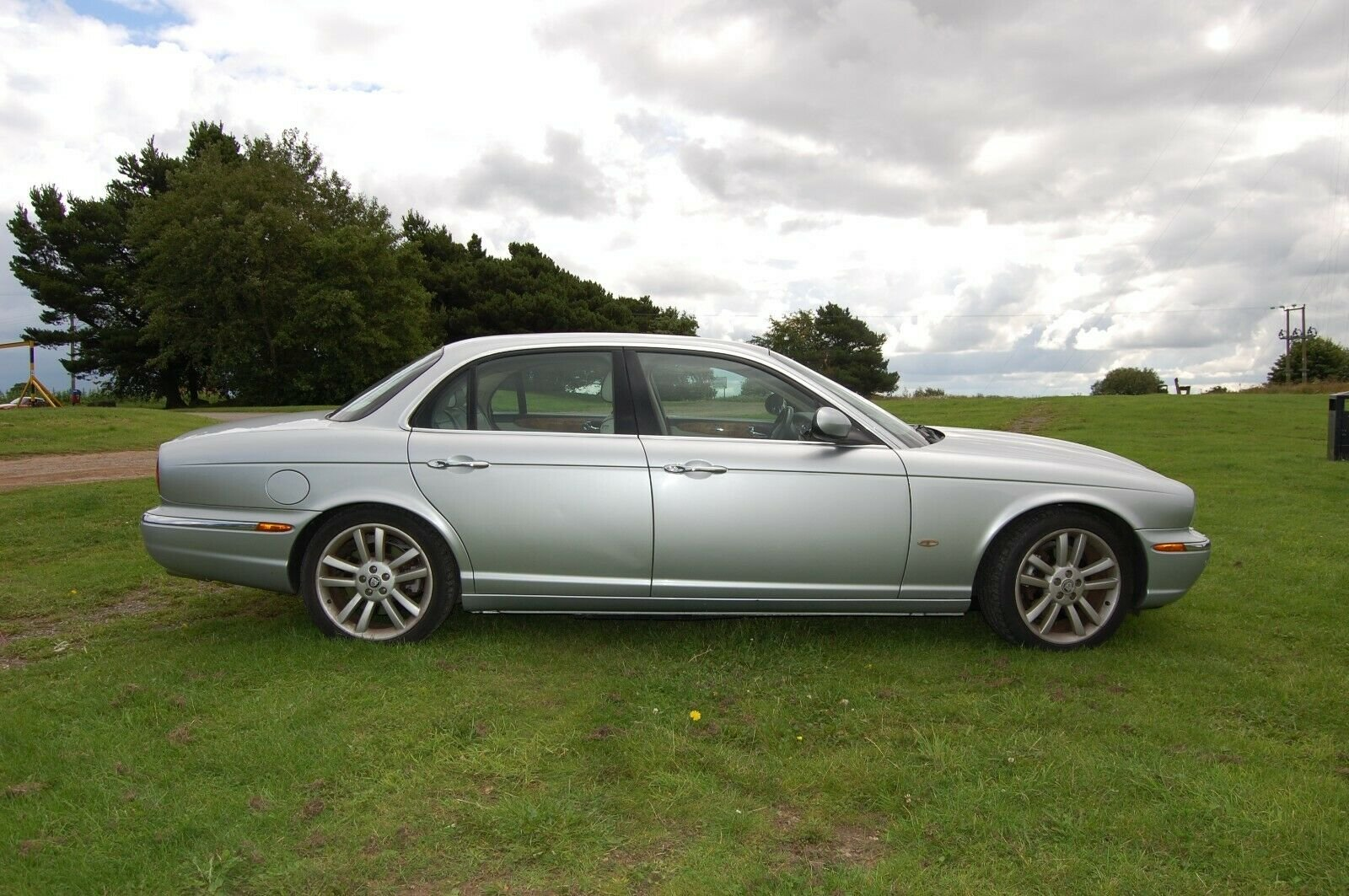 2007 JAGUAR XJ SOVEREIGN TDVI AUTO WITH MOT For Sale (picture 3 of 6)