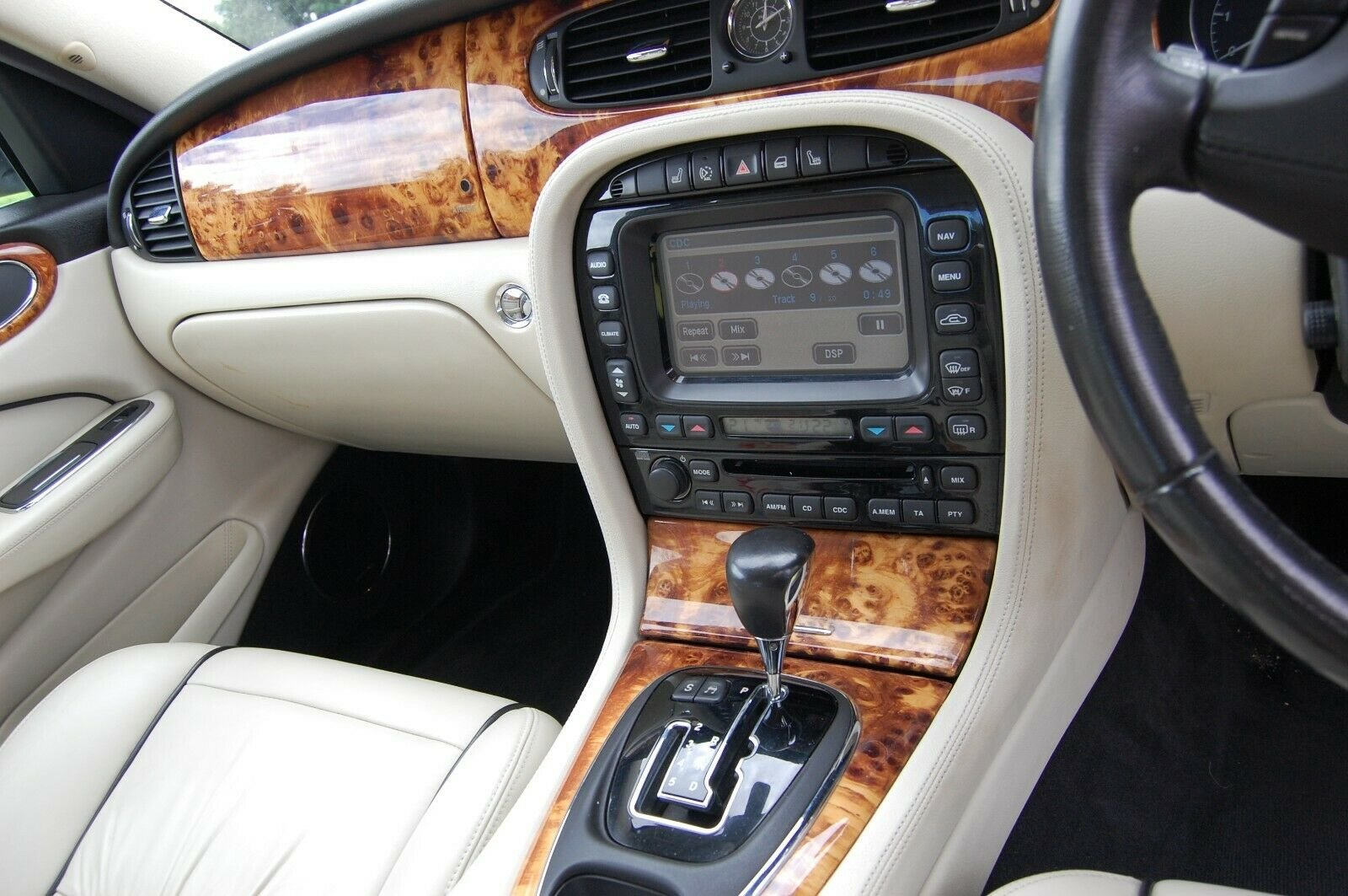 2007 JAGUAR XJ SOVEREIGN TDVI AUTO WITH MOT For Sale (picture 4 of 6)